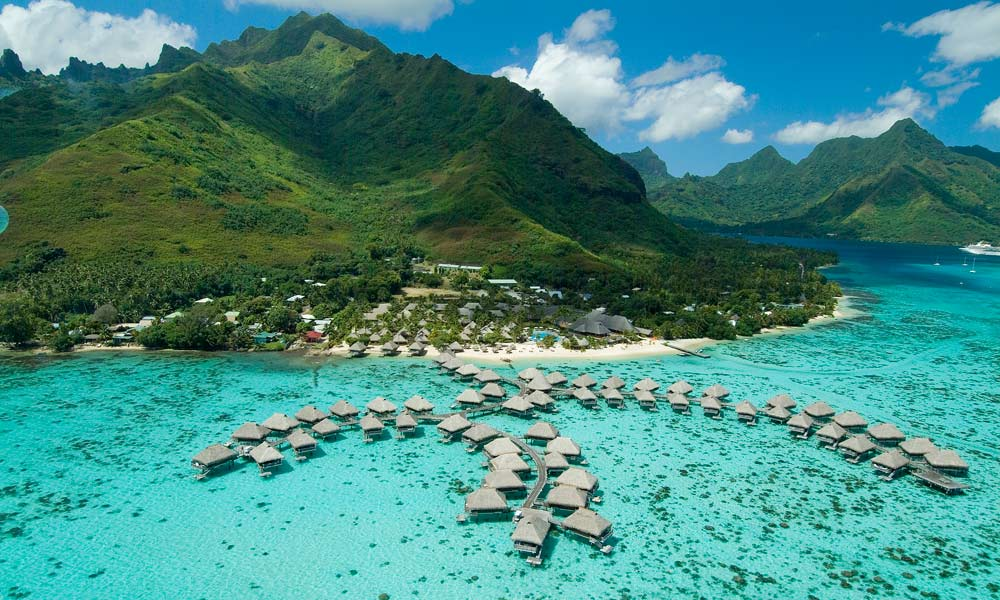 Hilton Moorea, Tahiti | DitchingNormal