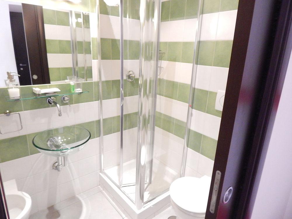 hotel bathroom Rome