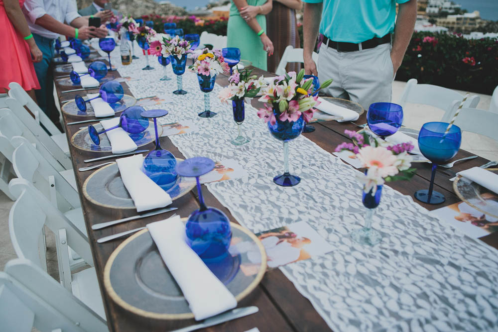 Wedding Table Setting   Ditching Normal