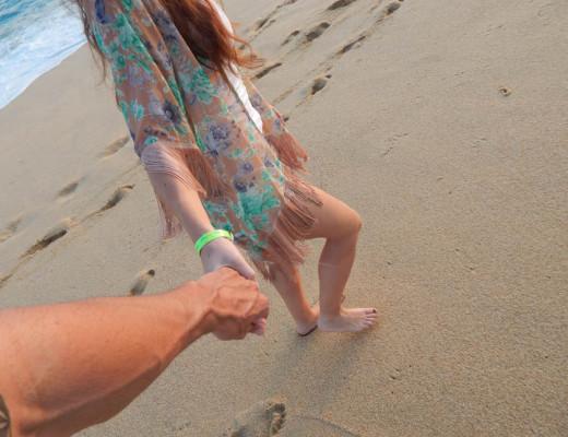 Holding-Hands-Beach