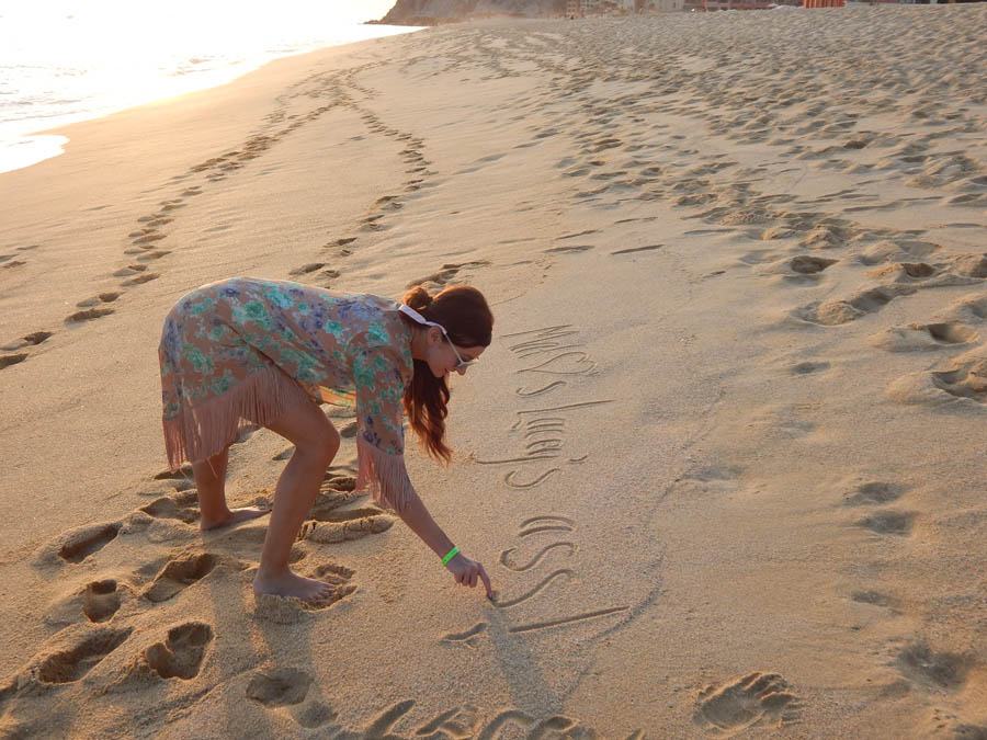 Lacey-Sand-Writing