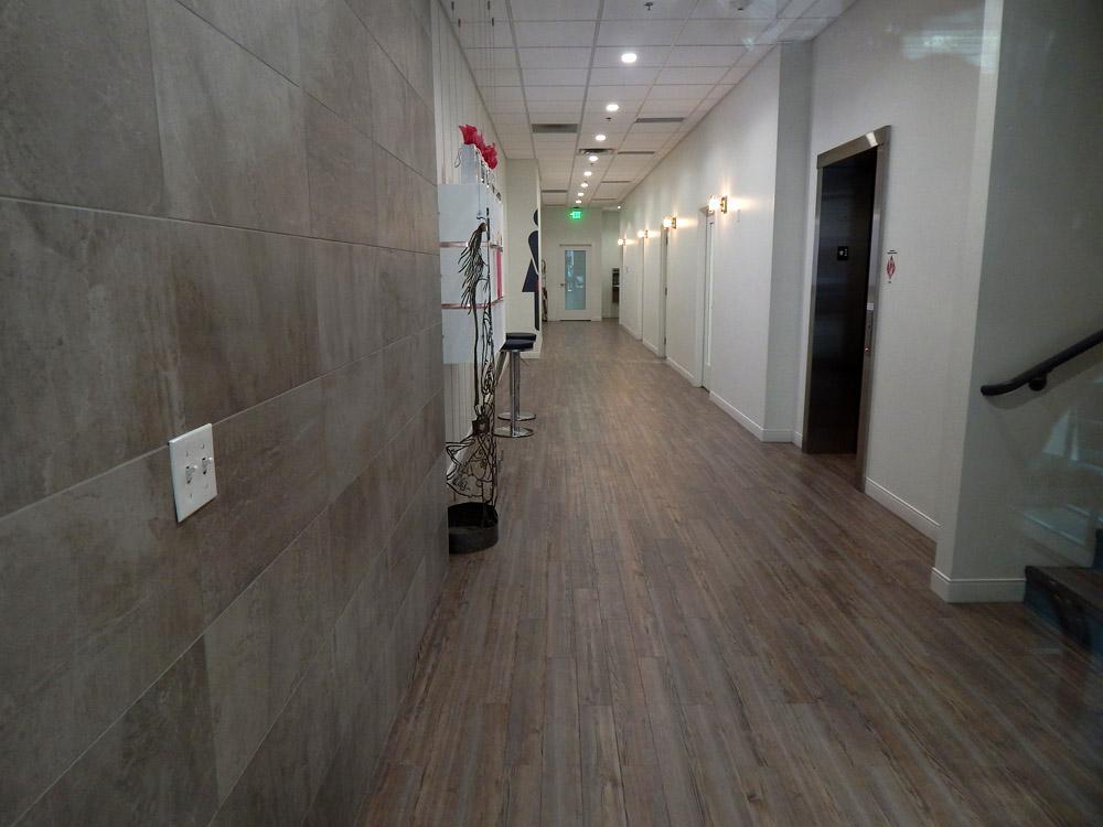LunchBox-hallway