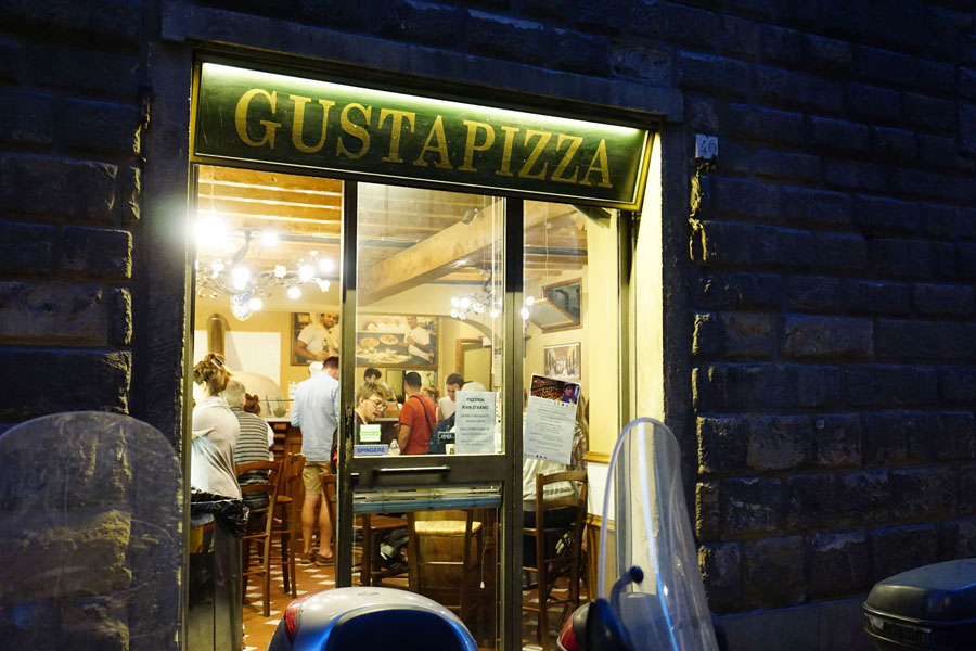 Gusta Pizza Florence, Italy
